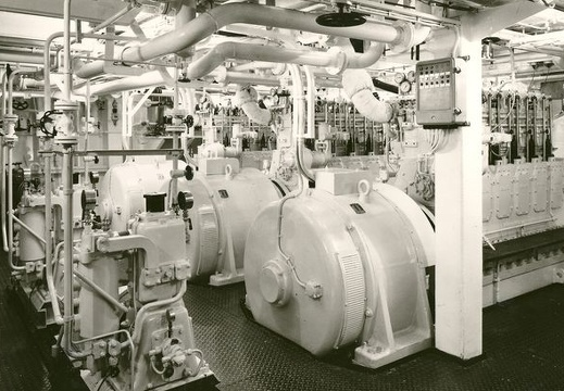 PRINS BERTIL, engine room